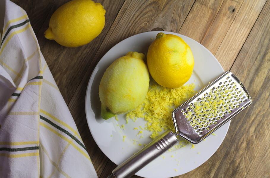 Použití citrusové kůry vs. použití citrusového esenciálního oleje v kuchyni