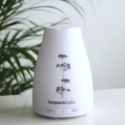 Stolní ultrazvukový difuzér esenciálních olejů, minimalistický design