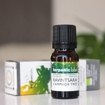 BIO esenciální olej ravintsara pro vnější i vnitřní užití