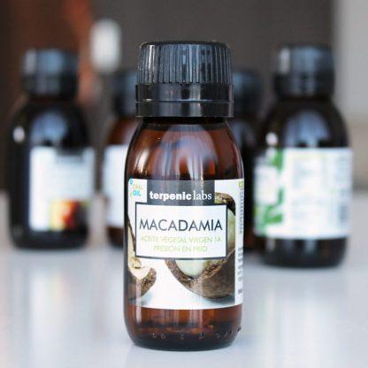 Panenský makadamiový olej prémiový