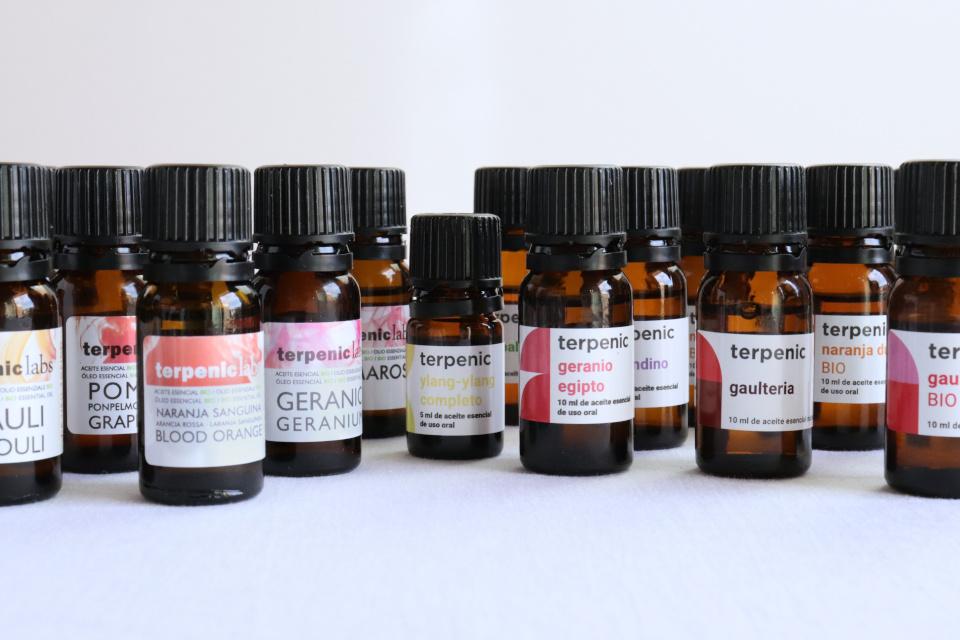 100% čisté přírodní esenciální (éterické) oleje