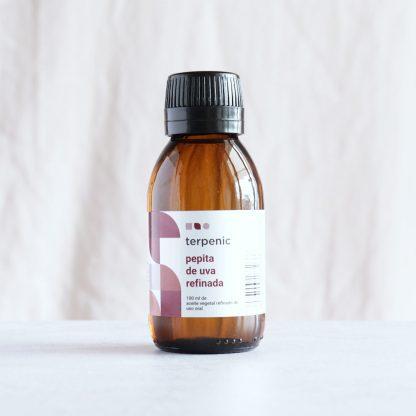 Vinný olej - olej z hroznových semínek
